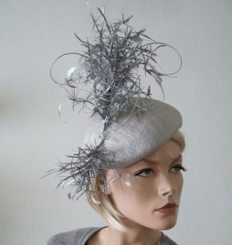 "Light and Matallic Silver Feathered Modern Beret Headpiece Cocktail Ascot Hat ""Wakitia"""